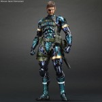 MGSV-Naked-Snake-Metallic-Play-Arts-Kai-001