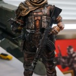 Venom-Snake-Play-Arts-Kai-Figure-2
